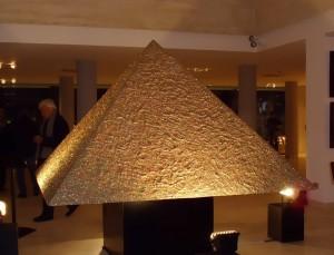 piramide-300x229
